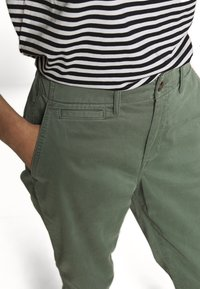 GAP Petite - HIGH RISE STRAIGHT - Trousers - olive - 4
