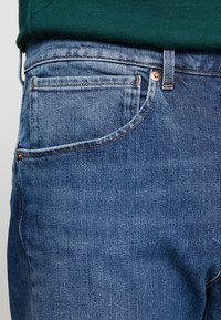 Levi's® Engineered Jeans - 502 REGULAR TAPER - Jeans Tapered Fit - blue denim - 3