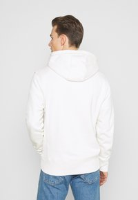 Tommy Hilfiger - ICON COIN HOODY - Sweatshirt - ivory - 2