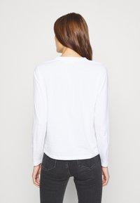 Calvin Klein - CORE LOGO CREW TEE - Topper langermet - white - 2
