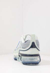 Nike Sportswear - AIR VAPORMAX 360 - Sneakers basse - spruce aura/racer blue/pistachio frost/obsidian/silver pine/metallic silver - 3