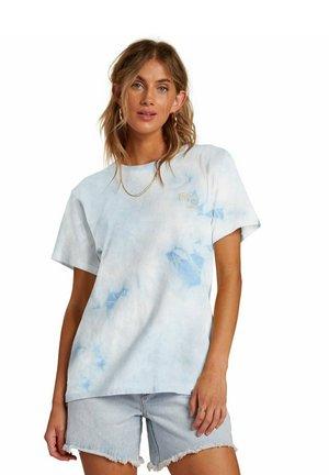 TAKE A TRIP - Print T-shirt - ice blue