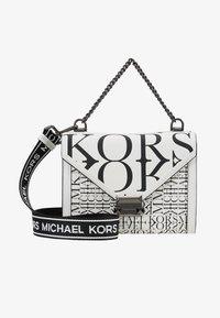 MICHAEL Michael Kors - WHITNEY - Skuldertasker - optic white/black - 5