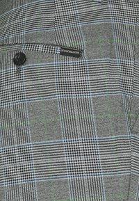 Scotch & Soda - MOTT CLASSIC DYED - Trousers - grey - 2