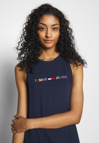 Tommy Jeans - TJW LOGO TANK DRESS - Day dress - twilight navy - 3