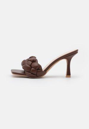 SANDRA - Heeled mules - brown