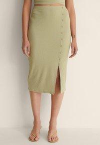NA-KD - KNOPFDETAIL - Pencil skirt - light green - 2