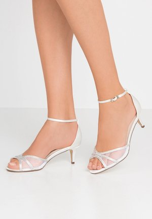LOLA - Bridal shoes - white