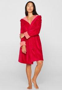 Esprit - Dressing gown - raspberry - 1