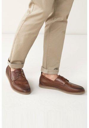 EMBOSSED  - Šněrovací boty - brown