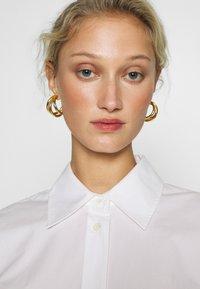 Carin Wester - BONNE - Button-down blouse - white - 3