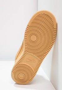 Nike Sportswear - COURT BOROUGH MID - Zapatillas altas - haystack/baroque brown - 4