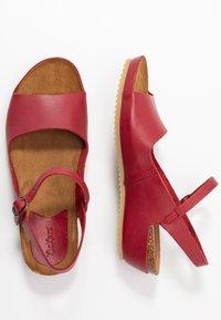 Kickers - TAKIKA - Wedge sandals - rouge - 3