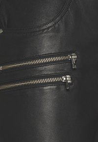 Culture - ANGELIA PANTS - Kožené kalhoty - black - 2