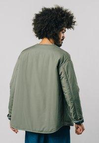 Brava Fabrics - KAKHI - Bomber Jacket - green - 3