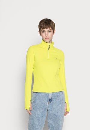 SLIM TECHNICAL QUARTER ZIP - Maglietta a manica lunga - neo lime