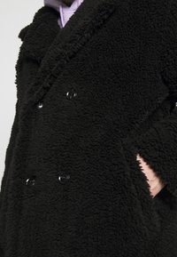 Topman - TEDDY COAT - Classic coat - black - 5