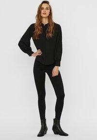 Vero Moda - VMAYA PLEAT  - Button-down blouse - black - 1