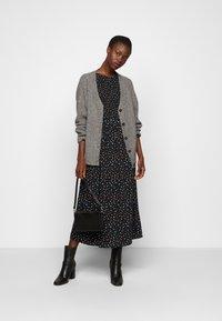 Dorothy Perkins Tall - DITSY SMOCKED - Day dress - multi - 1