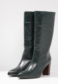 Pedro Miralles - Boots - tequila forest - 4