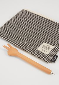 TYPO - NOVELTY PEN CAMPUS PENCIL CASE SET - Pozostałe - peace hand/black grid - 3