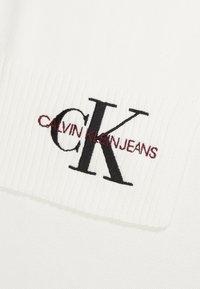 Calvin Klein Jeans - BASIC WOMEN SCARF - Schal - white - 2