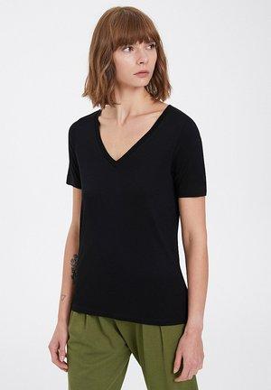 ESSENTIALS DEEP - Basic T-shirt - black