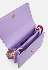 Pieces - PCELISH KEY - Handbag - sheer lilac - 2