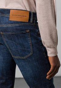 Baldessarini - 5-POCKET JACK - Straight leg jeans - dark blue - 4