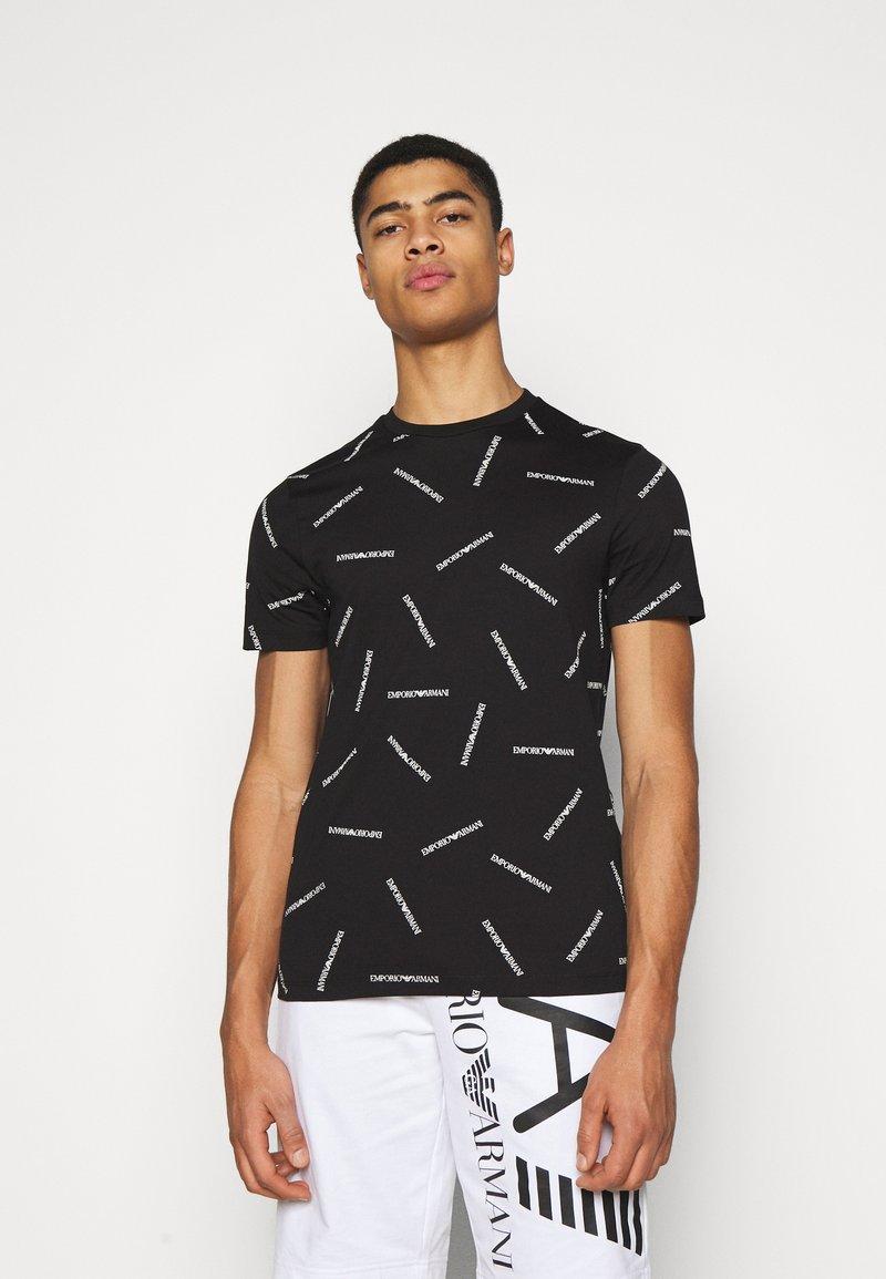 Emporio Armani - T-shirt imprimé - nero bianco