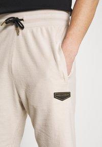 Supply & Demand - LOOPER - Teplákové kalhoty - sand - 4