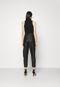 Missguided - Trousers - black - 2