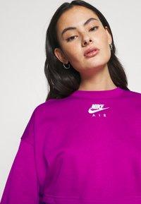 Nike Sportswear - AIR CREW CROP - Sweatshirt - cactus flower/white - 5