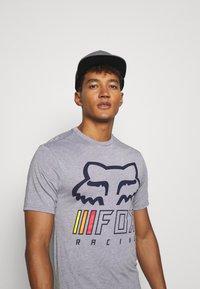 Fox Racing - OVERHAUL TECH TEE - Print T-shirt - grey - 3