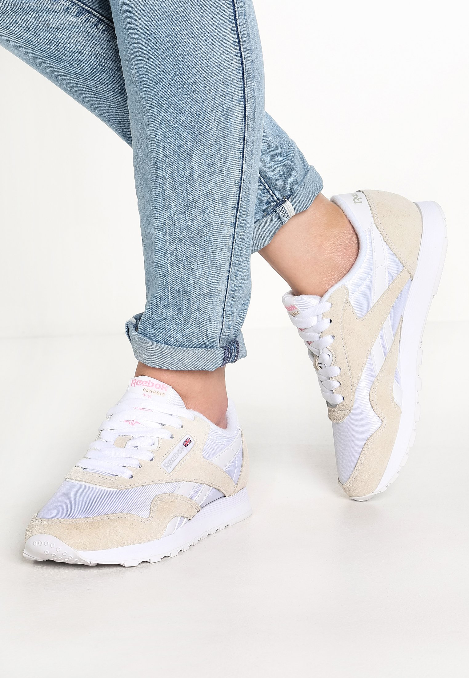 Víspera Malgastar Abandonado  Reebok Classic CLASSIC LEATHER NYLON BREATHABLE UPPER SHOES - Baskets  basses - white/light grey/blanc - ZALANDO.FR