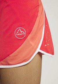 La Sportiva - COMET SKIRT - Gonna sportivo - hibiscus/flamingo - 7