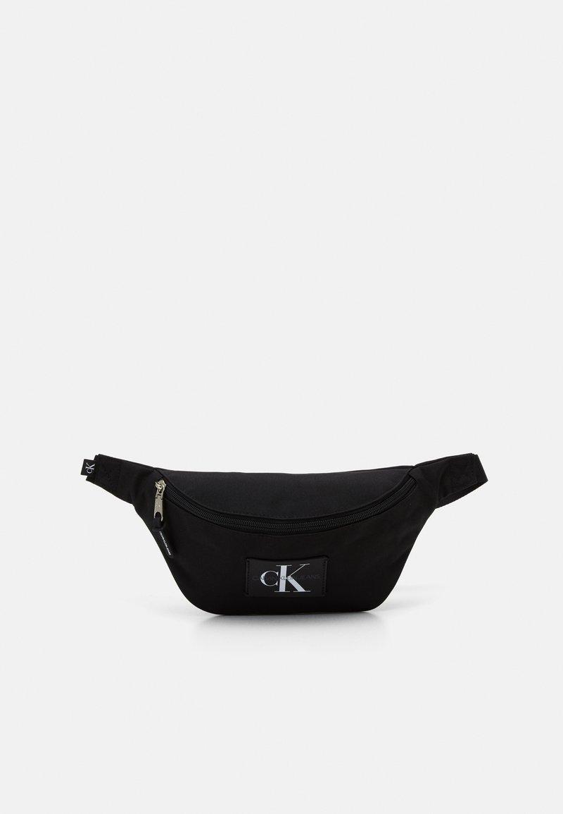 Calvin Klein Jeans - WAISTBAG - Ledvinka - black