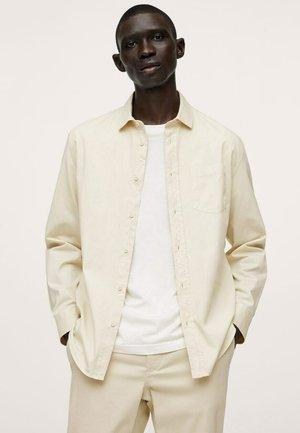 RELAXED-FIT - Skjorte - ivory white