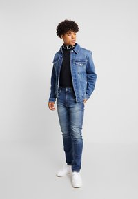 Calvin Klein Jeans - FOUNDATION SLIM JACKET - Denim jacket - mid blue - 1