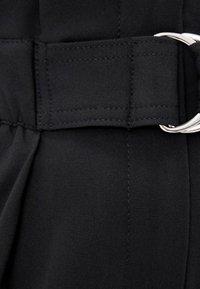 Bershka - MIT GÜRTEL  - Pantalon classique - black - 3