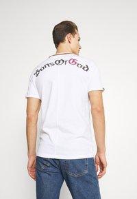 Key Largo - LEGACY BUTTON - T-shirt con stampa - white - 2