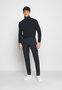 Jack & Jones - JJIMARCO JJPHIL - Broek - dark navy - 1