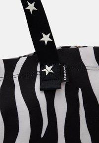 Converse - TOTE - Bolso shopping - zebra leopard/star - 3
