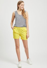 Object - OBJCECILIE  - Shorts - yellow - 1