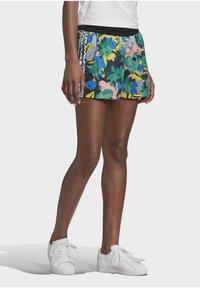 adidas Originals - Shorts - Shorts - Multicolour - 4
