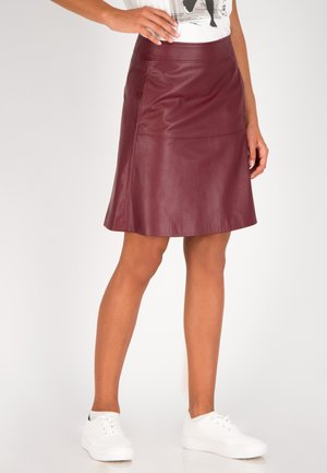 A-line skirt - merlot