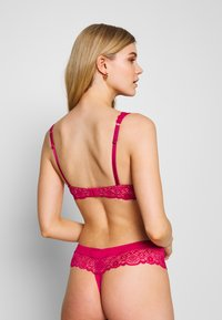 Boux Avenue - TORI PADDED PLUNGE - Sujetador con aros - pink/blush - 2