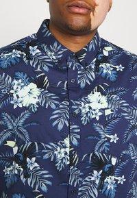 Johnny Bigg - RIO TOUCAN STRETCH SHIRT - Shirt - dark blue - 4