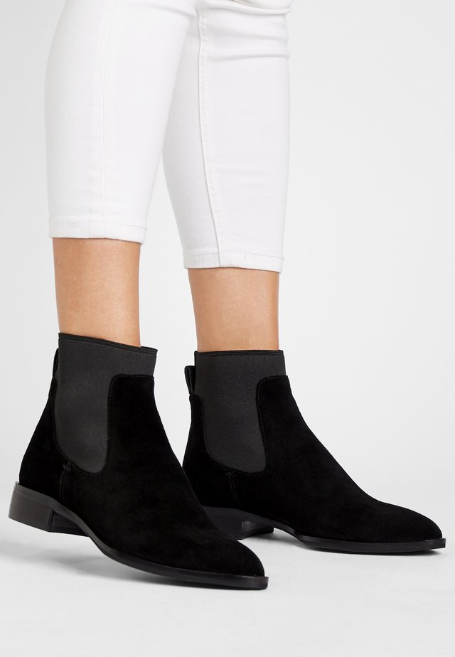 RYAN - Korte laarzen - schwarz