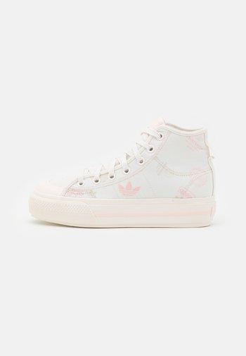 NIZZA PLATFORM MID - Høye joggesko - cloud white/pink tint/icey pink